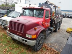 INTERNATIONAL, TANDEM AXLE, WATER TRUCK, 8 SPEED MANUAL TRANSMISSION, 629,239 KMS