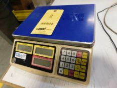 QTECH 60 lb. Counting Scale