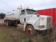 2000 Freightliner Bobtail Truck, Tank, VIN: 1FUYDCYB1YDF45476, Unit 547 (AS IS - NO PUMP - DOESN'T R