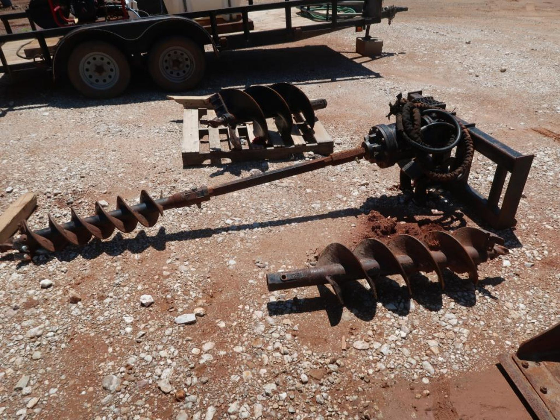 Lot 243 - Caterpillar Hydraulic Post Hole Digger, 8 in., 12 in., 18 in. Bits