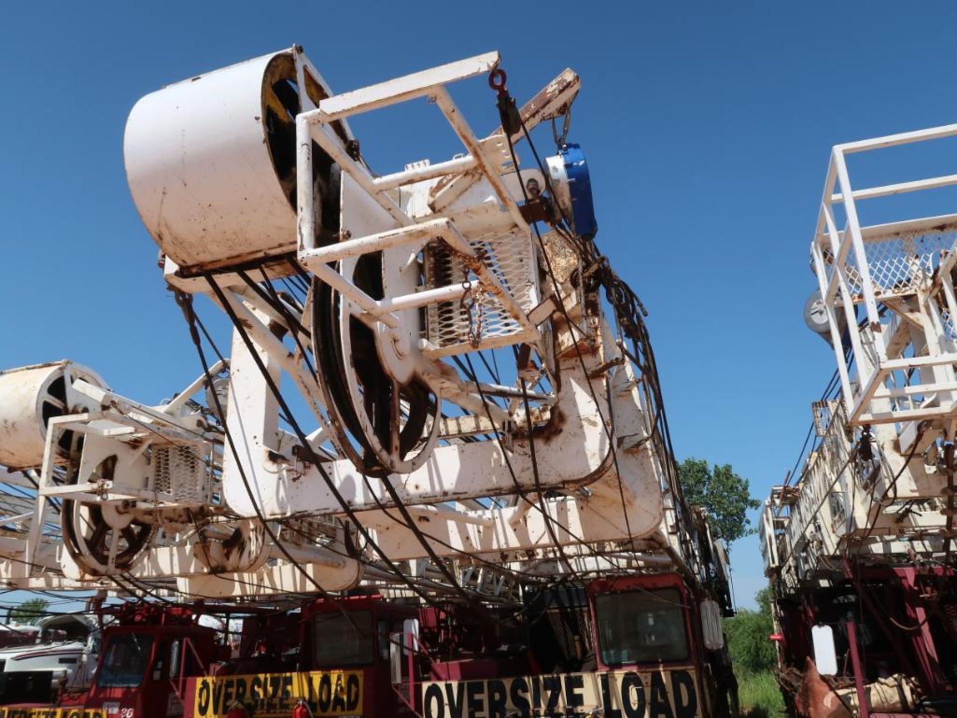 Lot 260 - Rig 30: Franks 1287-160 5-Axle Well Service Rig, Detroit S-60, 5860 Transmission, 108 ft. 250 lb. De