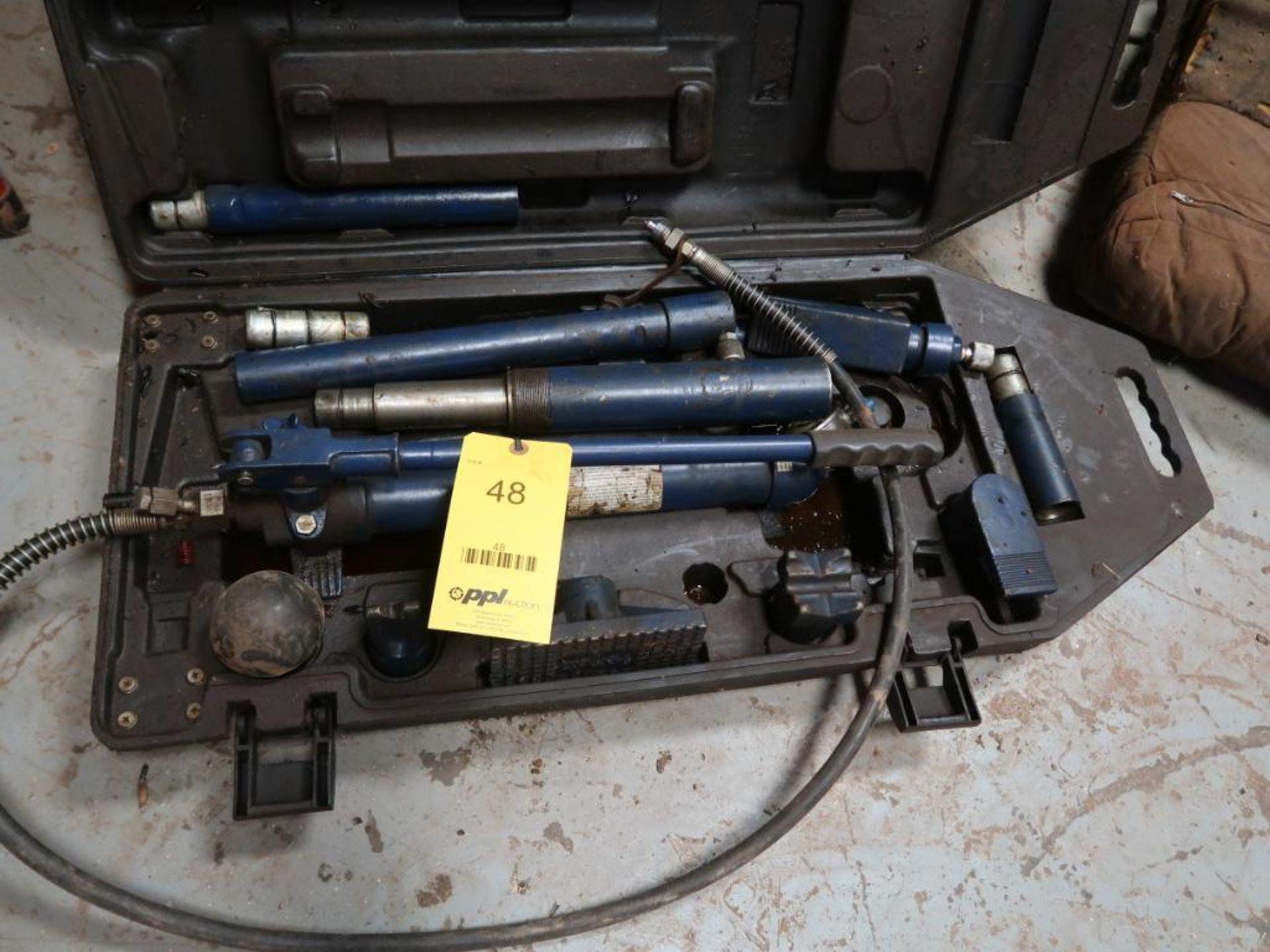 Lot 48 - 10 Ton Portable Ram Kit