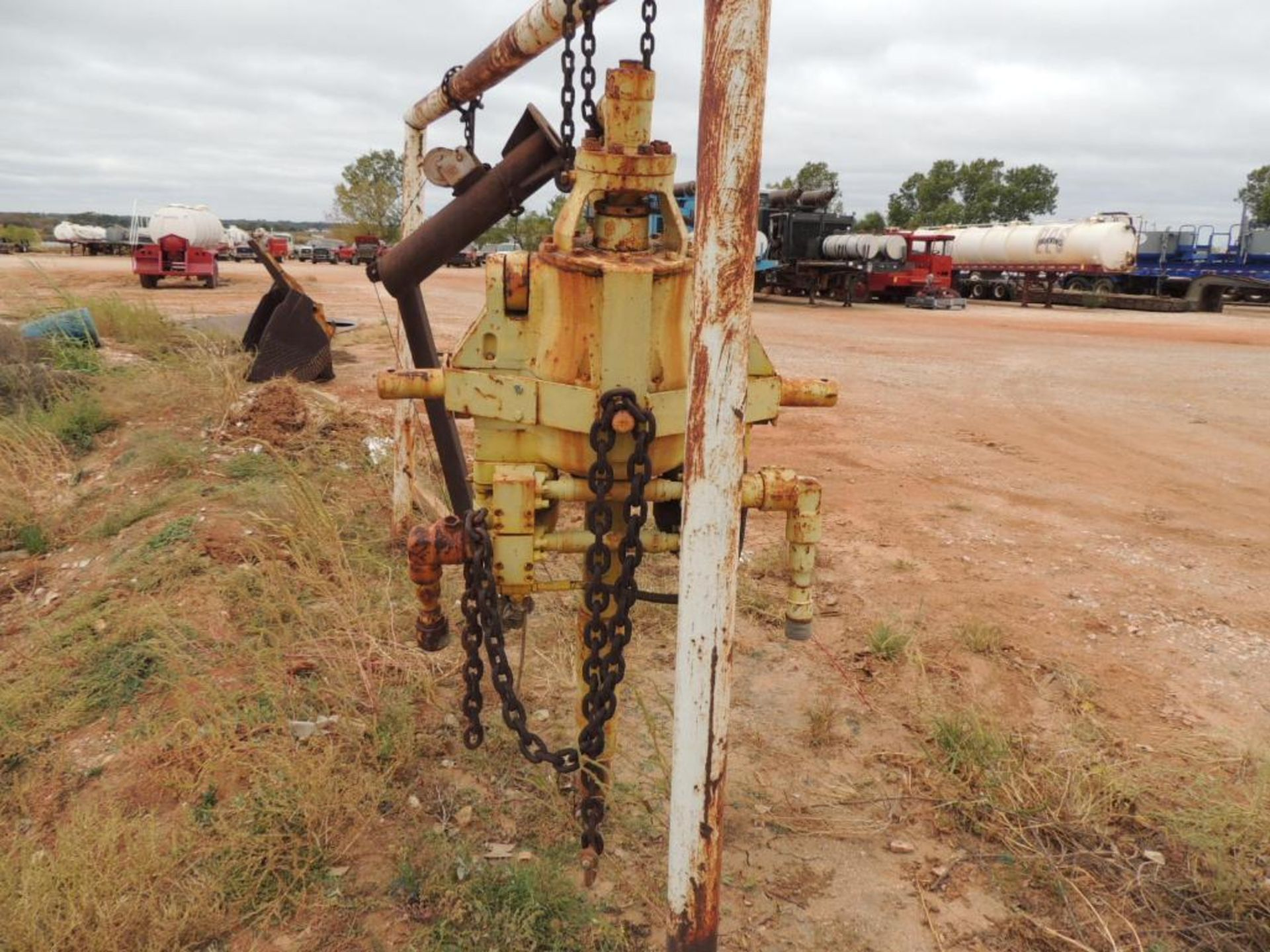 Baash-Ross 130 Ton Power Swivel (LOCATED IN HENNESSEY, OK.- NEXT TO WASH BAY) - Image 2 of 3