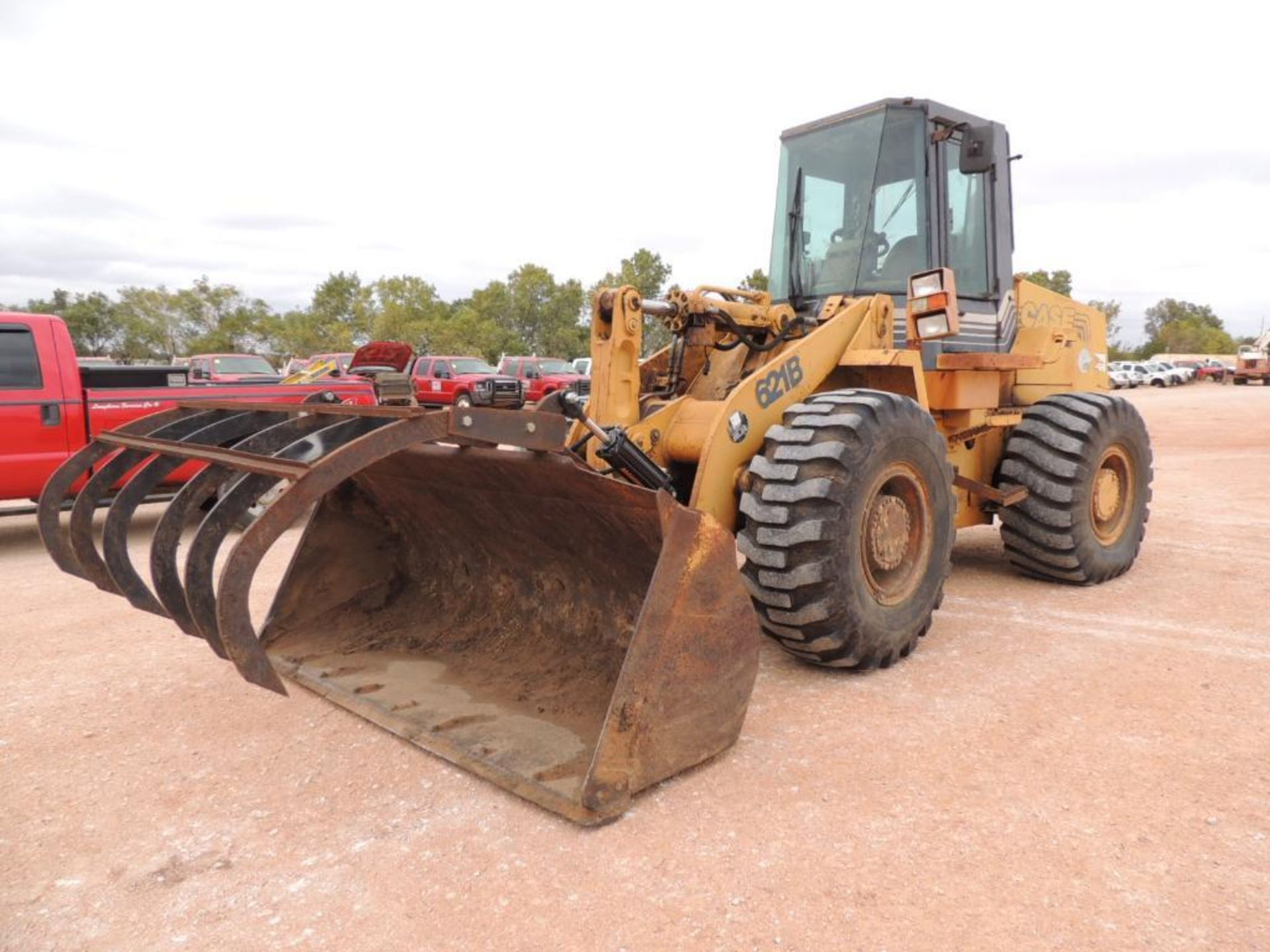 Case 621B Wheel Loader, 100 in. GP Bucket, Grapple, Brake Pressure Low, Transmission Will Not