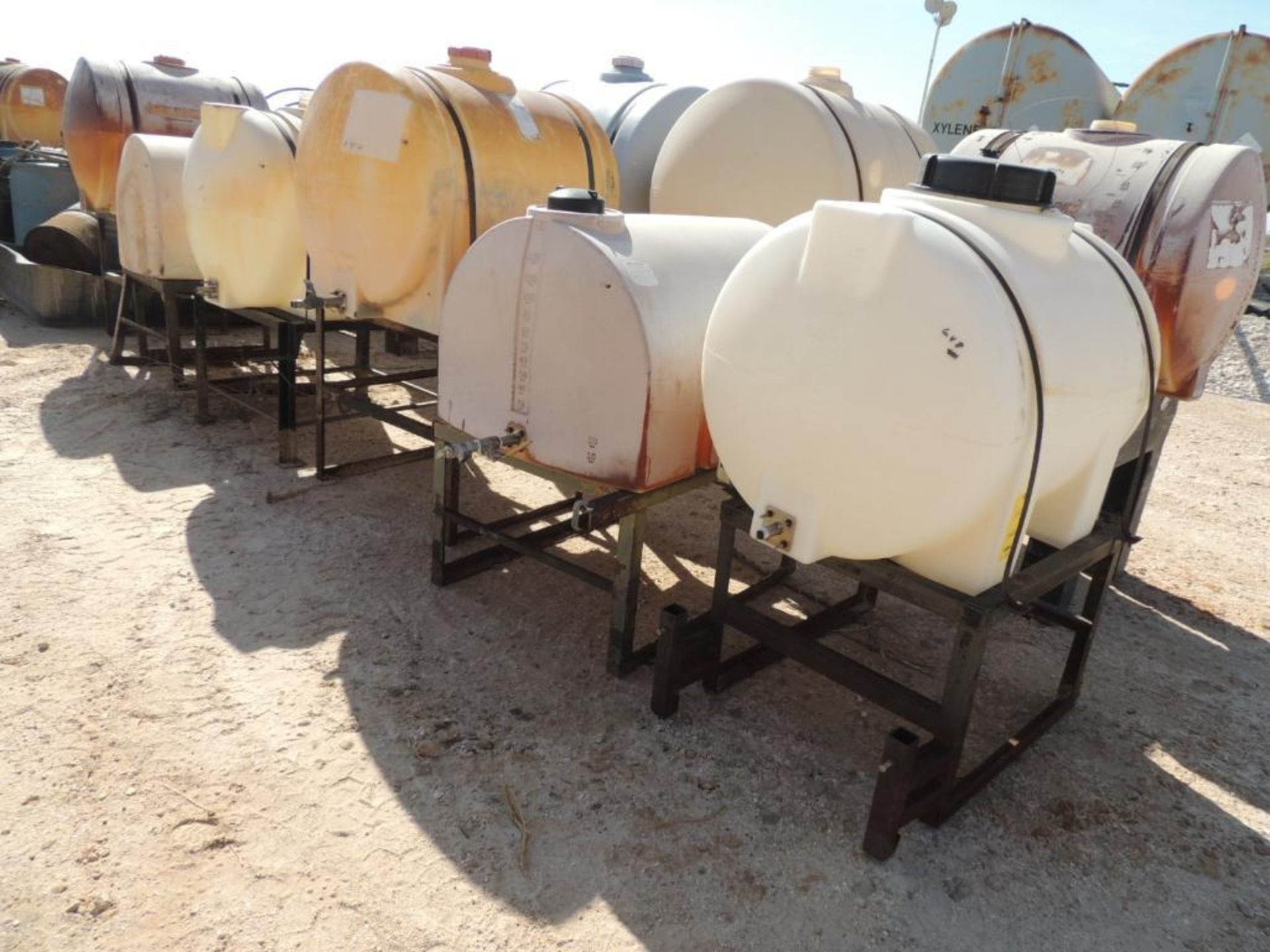 LOT: (10) Poly Tanks - (2) 225 Gallon, (8) 130 Gallon (LOCATED IN HENNESSEY, OK. - IN CHEM YARD)