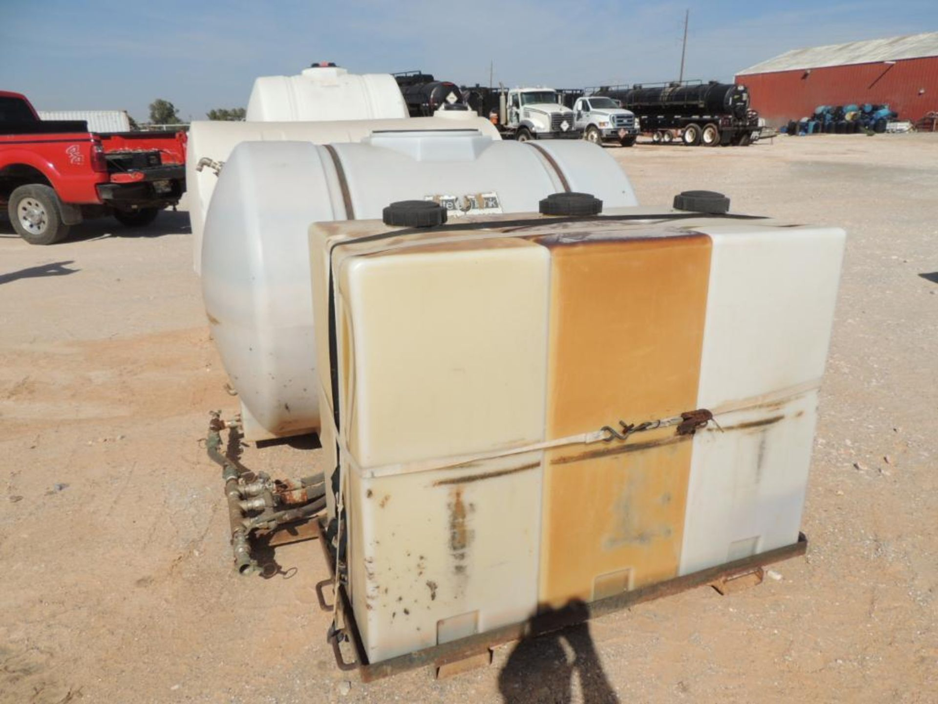 LOT: (7) Poly Tanks - (1) 535 Gallon, (3) 330 Gallon, (3) 80 Gallon (LOCATED IN HENNESSEY, OK. - - Image 3 of 3