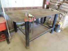LOT: 49 in. x 80 in. Welding Bench with Ridgid Top Screw Chain Vise (LOCATED IN HENNESSEY, OK. -