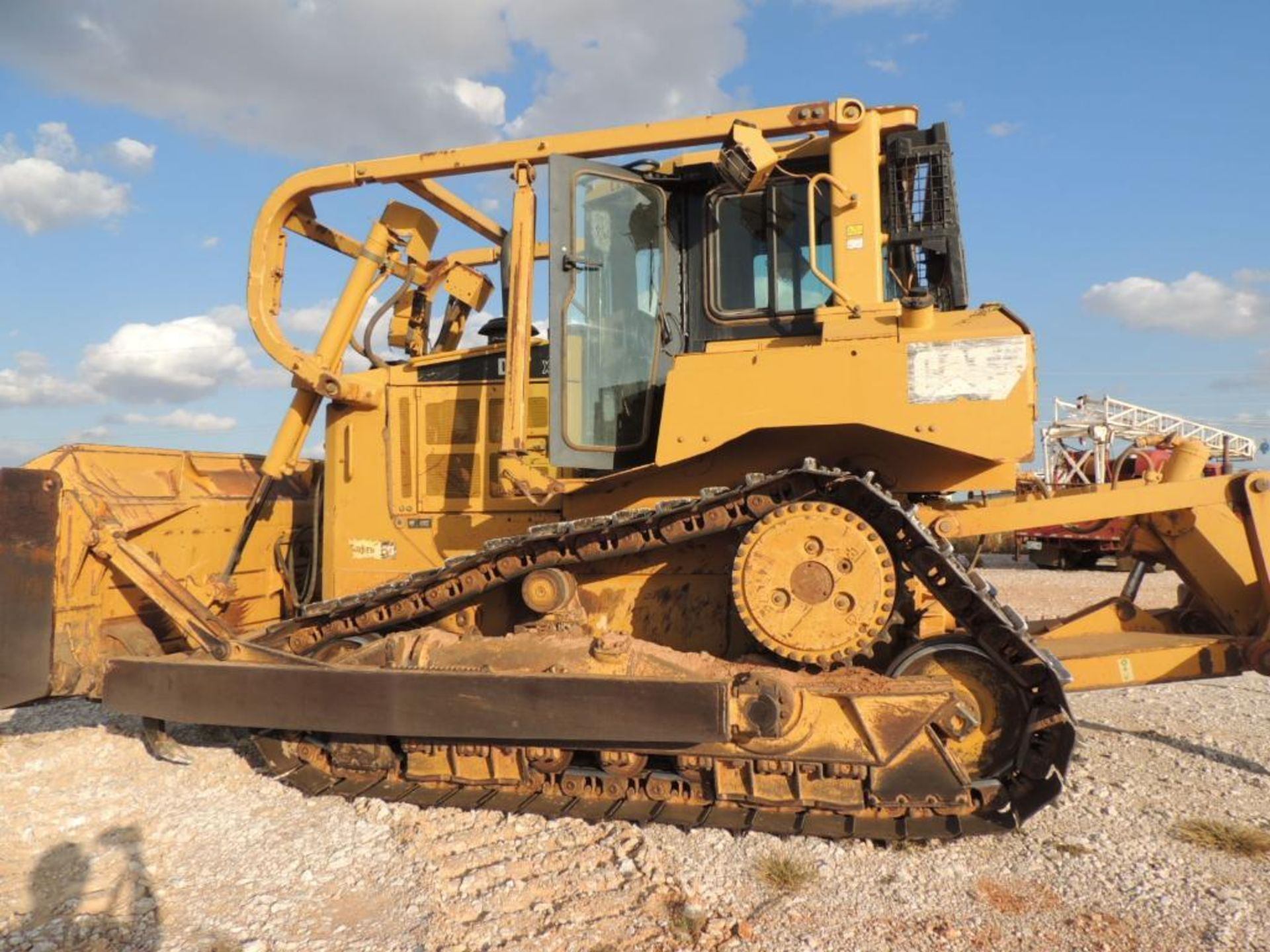 2007 Caterpillar D6T XL Crawler Tractor w/ Ripper, 90 % Remaining on Undercarrige, EROPS, Semi-U - Image 8 of 10