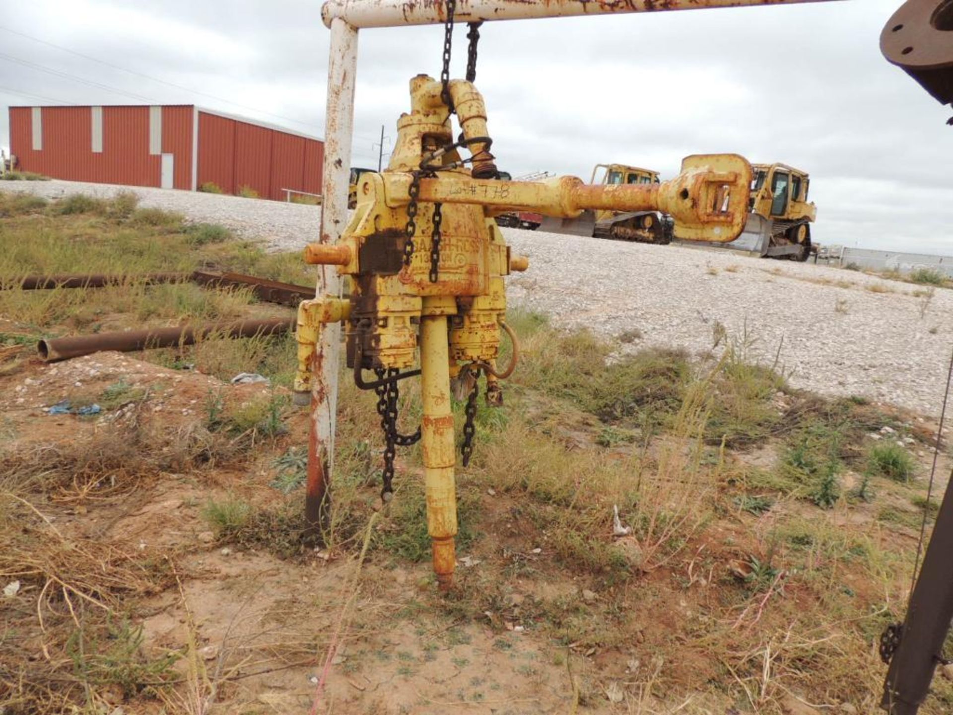 Baash-Ross 130 Ton Power Swivel (LOCATED IN HENNESSEY, OK.- NEXT TO WASH BAY)