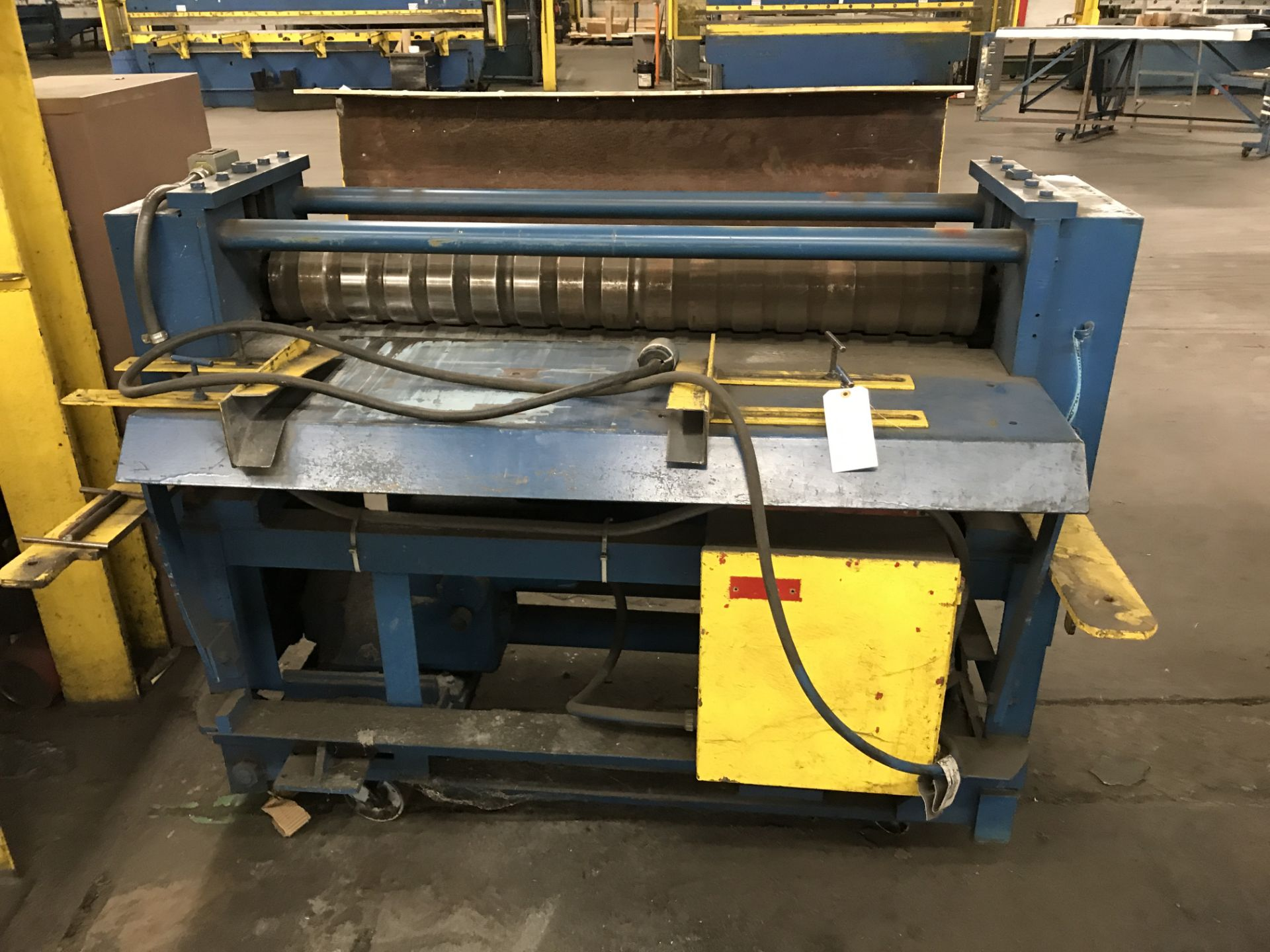 "Lot 065 - 48"" Wide Mesa Rolling Machine"