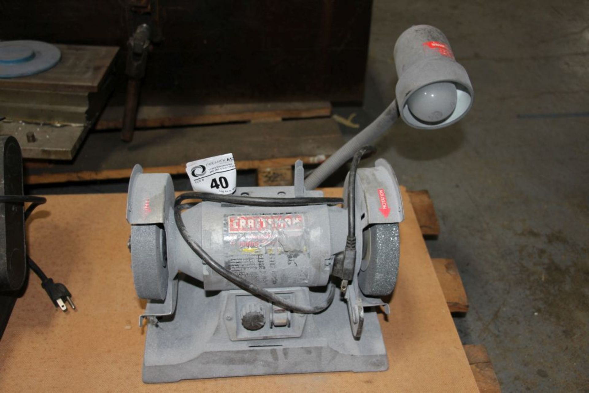 "Lot 40 - Craftsman 6"" dual bench grinder"