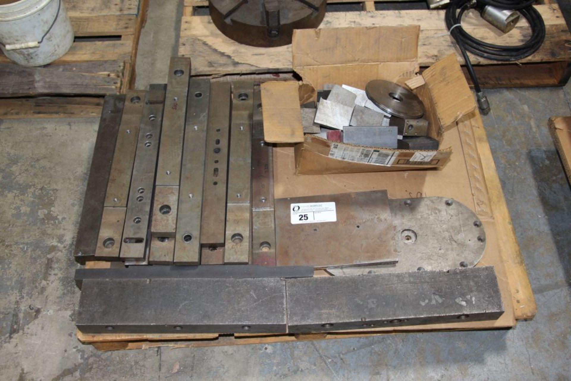 Lot 25 - metal stock