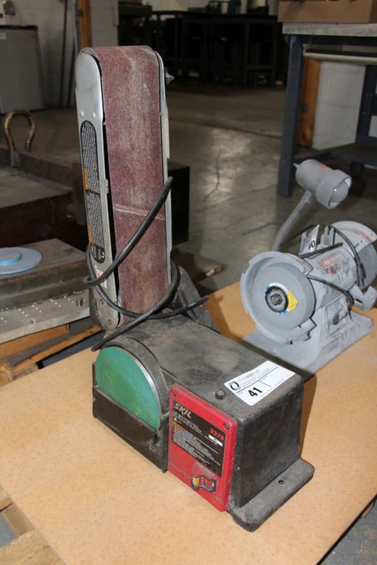 Lot 41 - Skil disc & belt sander