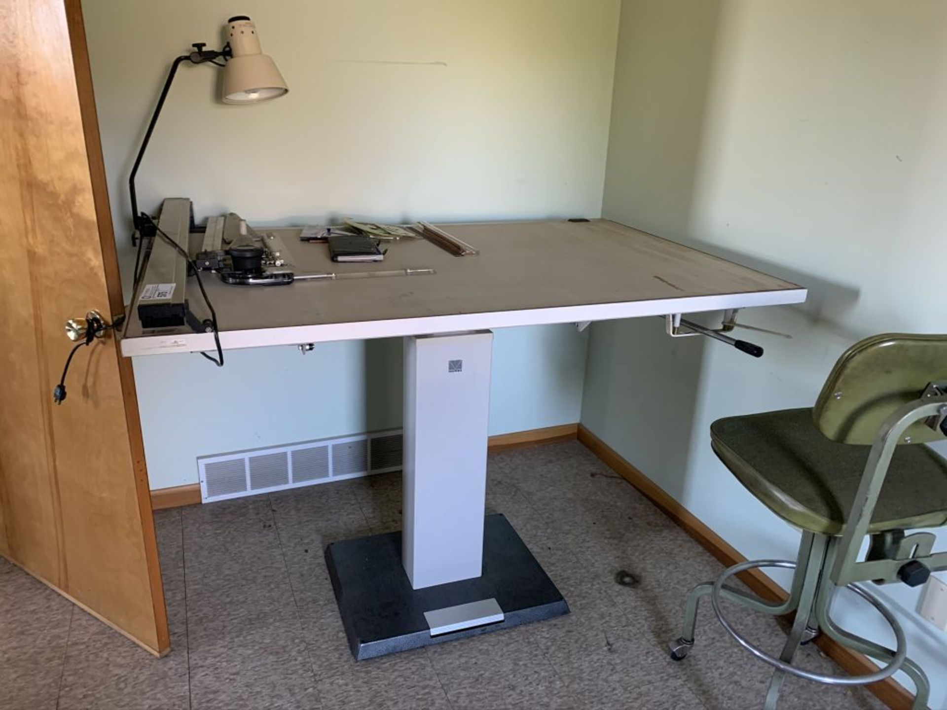 MUTOH Mag Top Drafting Table