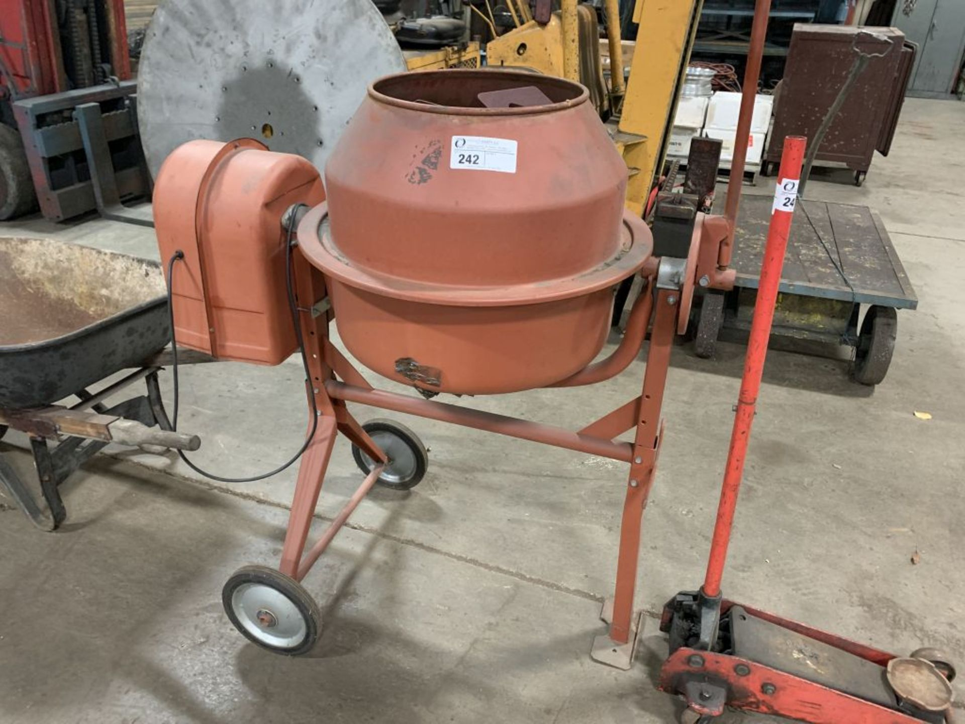 Central 3.5 cubic foot cement mixer, 1/3 hp