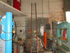 LOUISVILLE 28 FT. FIBERGLASS EXTENSION LADDER