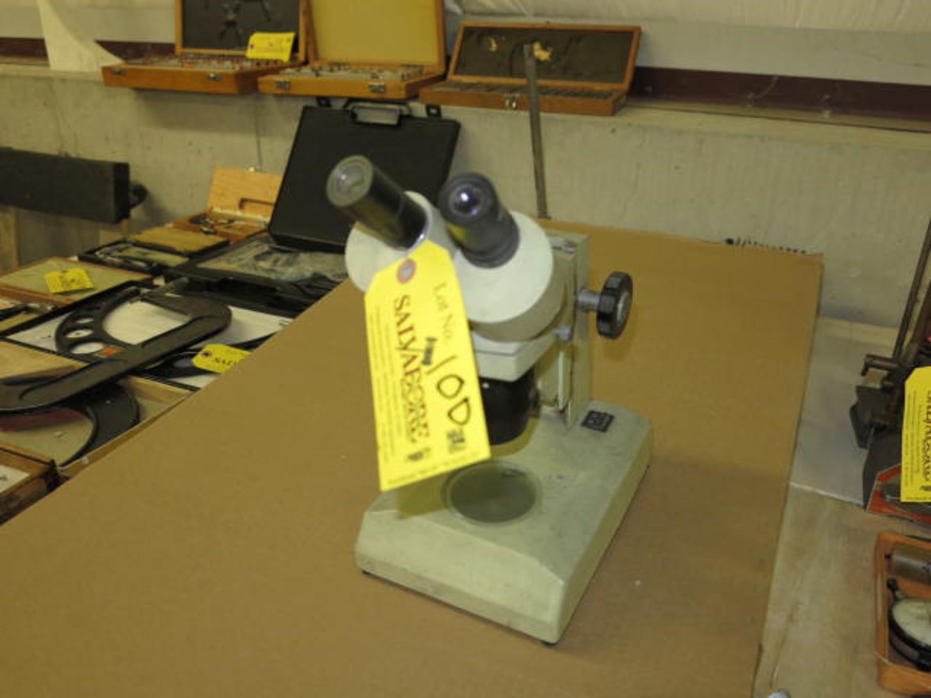 Lot 100 - 3X Stereo Microscope Location: Elmco Tool 3 Peter Rd Bristol, RI
