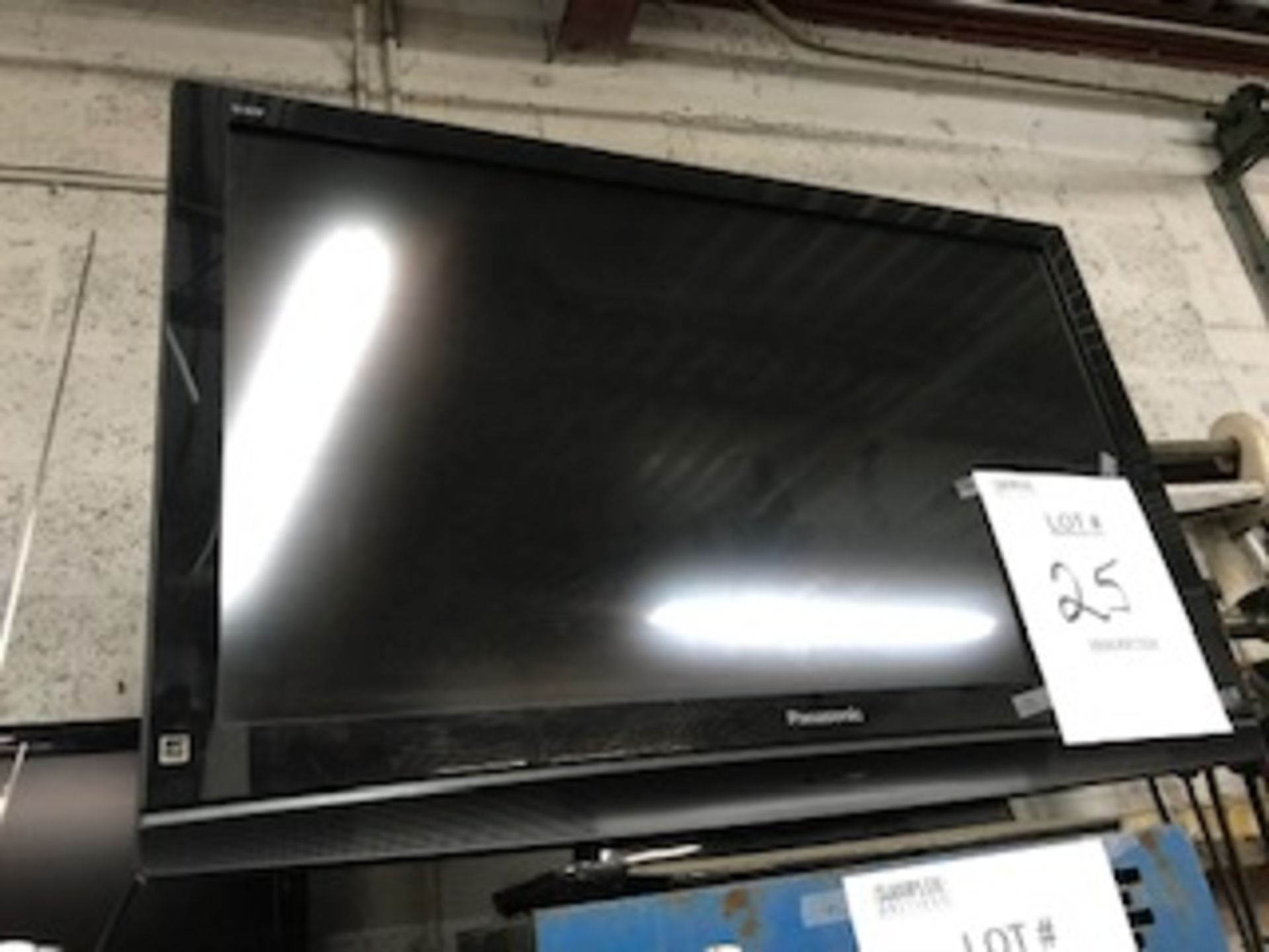 Lot 25 - PANASONIC VIERA 42'' FLAT SCREEN TELEVISION