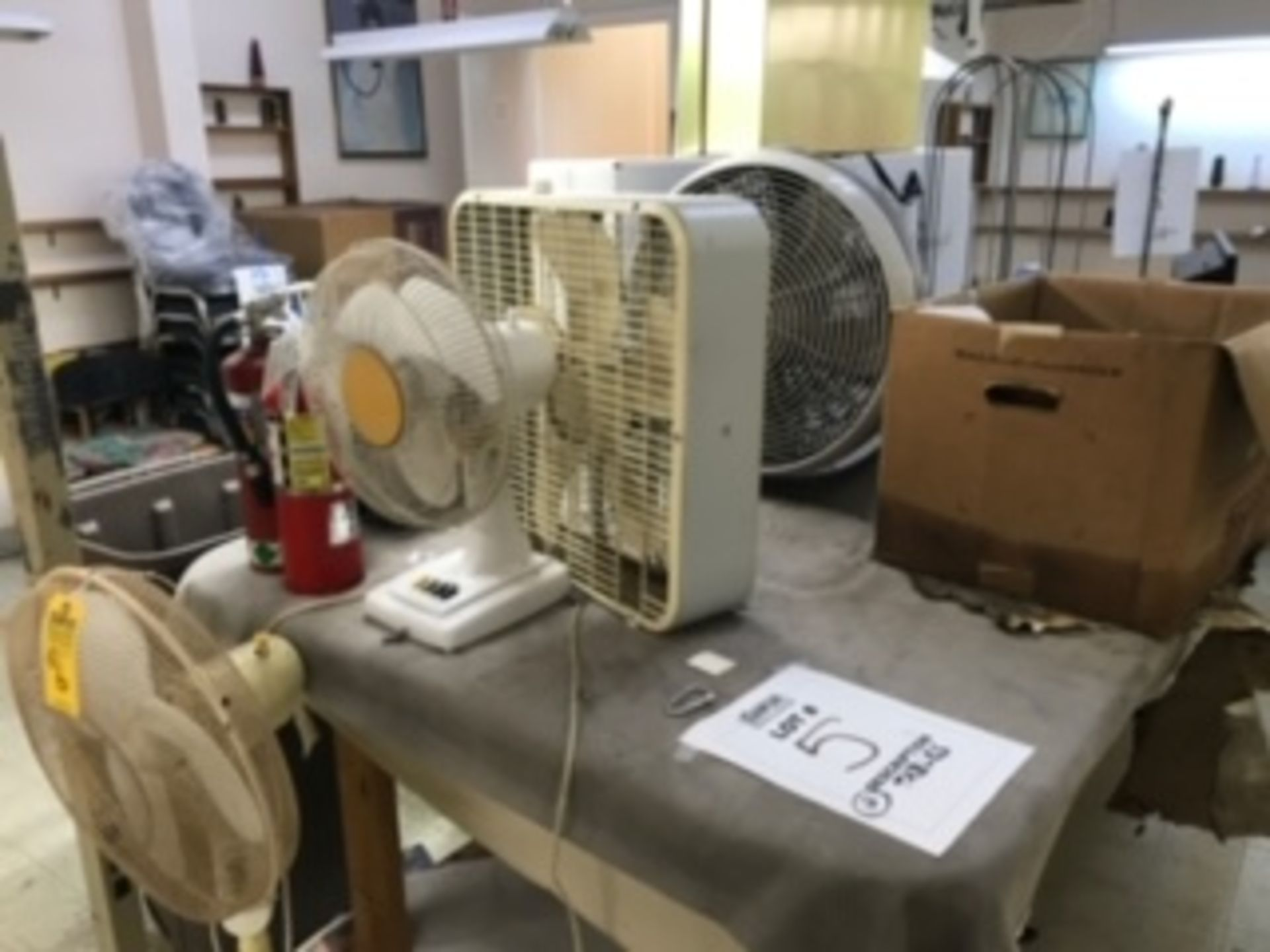 Lot 6 - ASSORTED RESIDENTIAL FANS