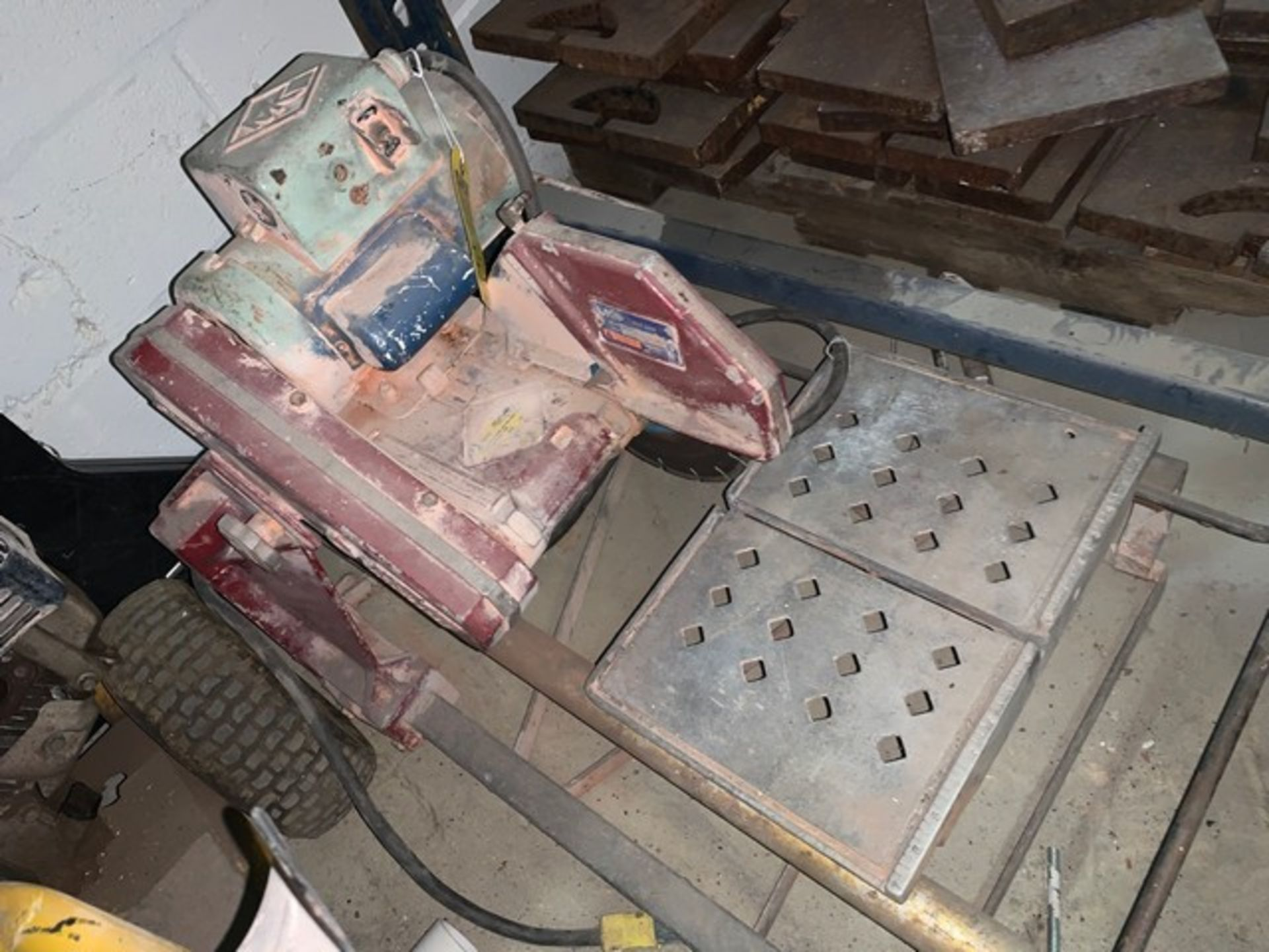Lot 72 - MK TILE SAW