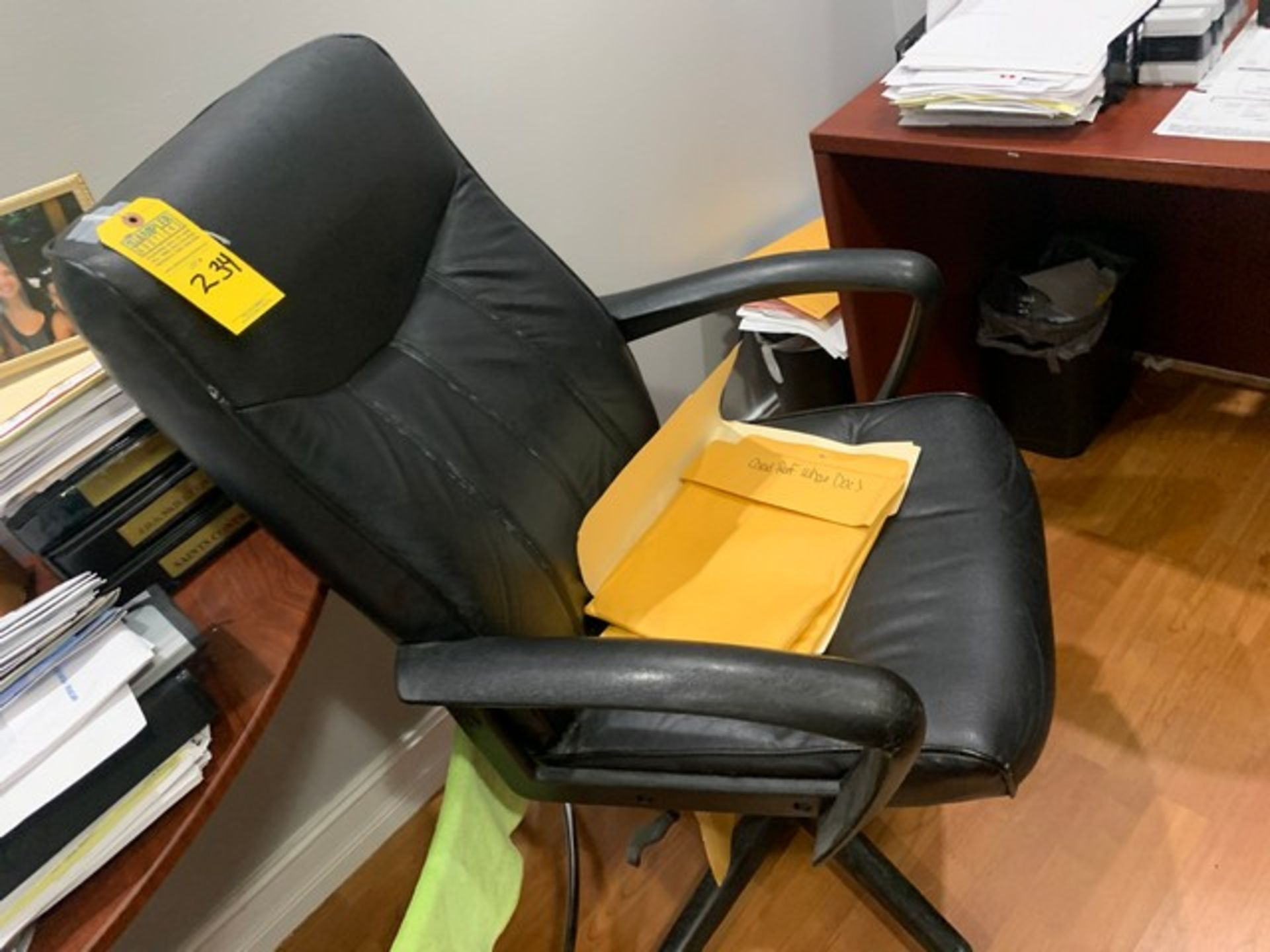 Lot 234 - ROLLING OFFICE CHAIR