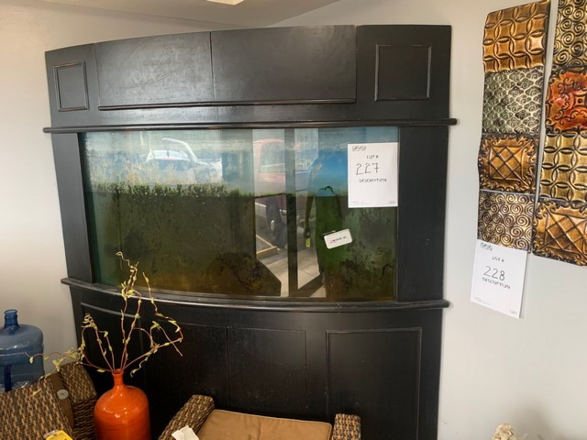 Lot 227 - FISH TANK - 350 GALLON