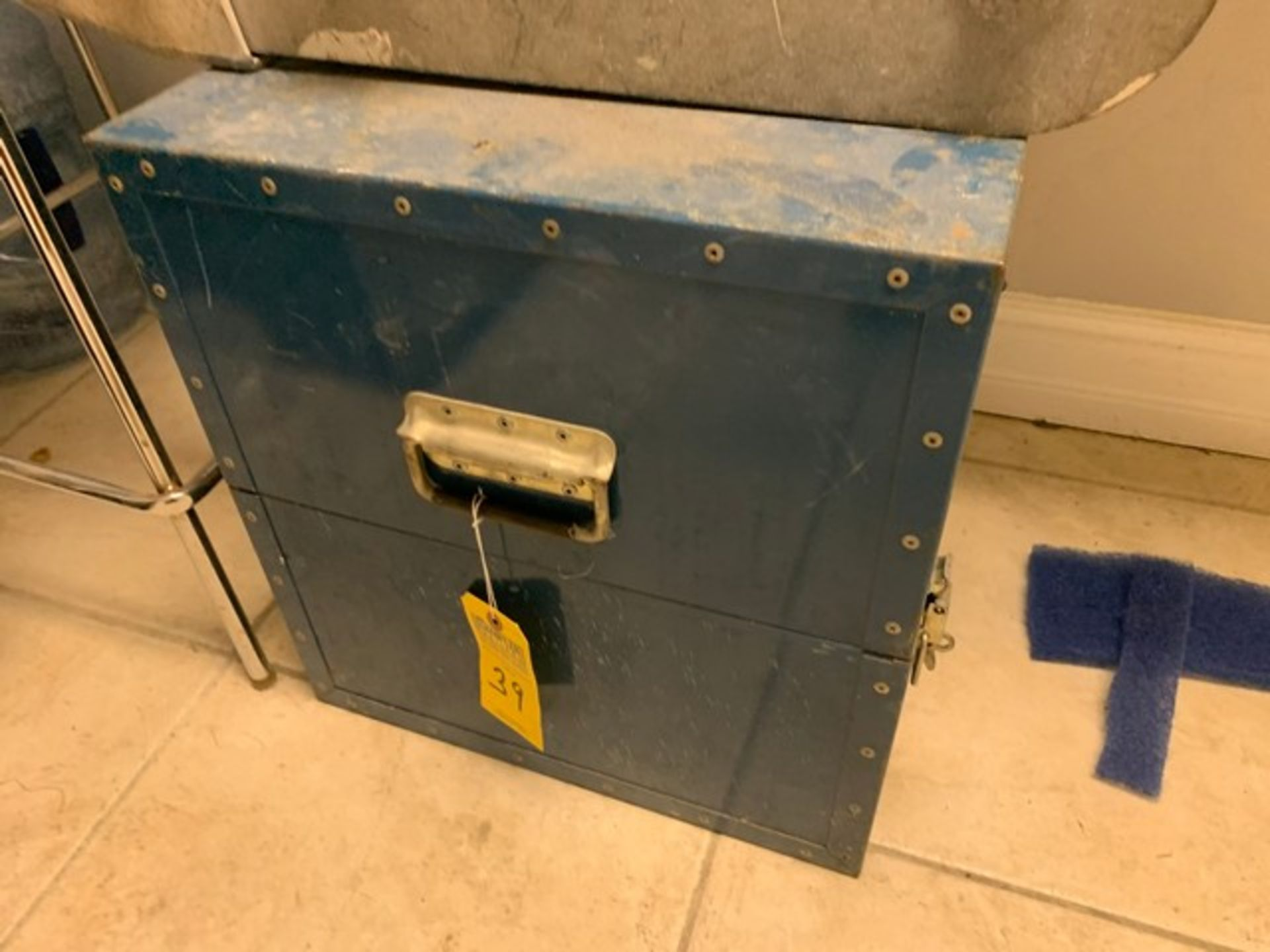 Lot 39 - SKY CLIMBER BLUE BOX (BOX ONLY)