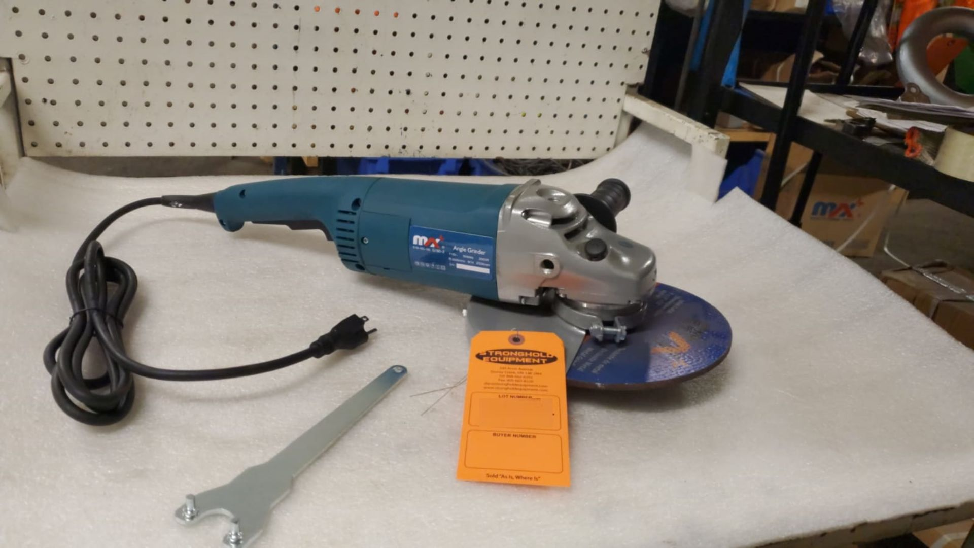 """Lot 22 - BRAND NEW Max 9"""" Angle Grinder model G180"""
