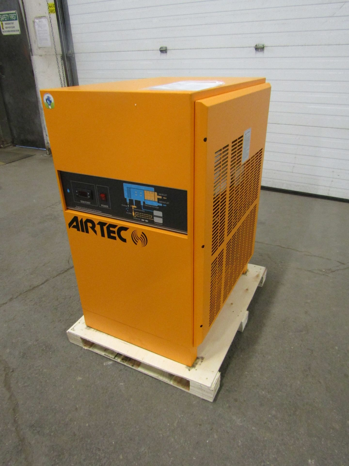 Lot 258 - MINT Airtec Compressed Air Dryer 476 CFM UNUSED / NEW unit