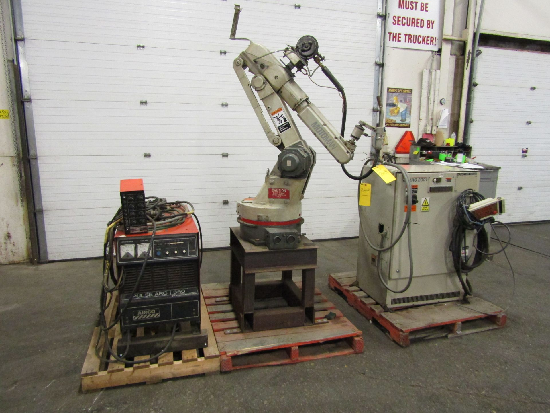 Lot 269 - 2004 Motoman UP6 Welding Robot System with XRC 2001 controller with teach pendant & Airco 350 Amp