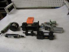 Lot of Assorted Parker Hydraulic parts & cylinders