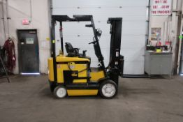 FREE CUSTOMS - Yale 6000lbs Electric Forklift with 3-stage Mast and Sideshift with low hours