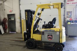 FREE CUSTOMS - 2013 Hyster 5000lbs Capacity Forklift with 3-stage mast - electric with charger