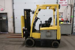 FREE CUSTOMS - 2011 Hyster 5000lbs Capacity Forklift with 3-stage mast - electric with charger