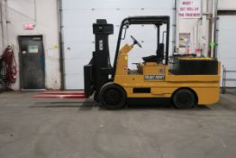 """FREE CUSTOMS - Hoist Electric 30,000lbs Capacity at 24"""" & 20.000lbs Capacity at 40"""" Forklift with"""