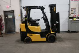 FREE CUSTOMS - 2015 Yale 6000lbs Capacity Forklift with 3-stage mast & sideshift & Fork Positioner