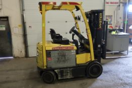 FREE CUSTOMS - 2011 Hyster 5000lbs Capacity Forklift with 3-stage mast - electric with sideshift