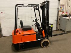 FREE CUSTOMS - Baker 3-wheel 3000lbs Capacity Forklift with 3-stage mast - electric with sideshift