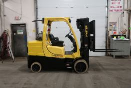 FREE CUSTOMS - 2016 Hyster 10000lbs Capacity Forklift with 3-stage mast - LPG (propane) with