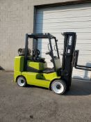 FREE CUSTOMS - Clark 8000lbs Capacity Forklift BOX CAR SPECIAL with 3-stage mast - LPG (propane)