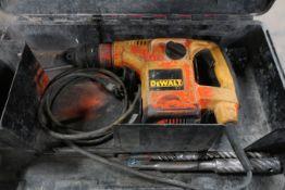 "Dewalt Electric Hammer Drill in case D25400 SDS Rotary Hammer drill 1 1/8"""