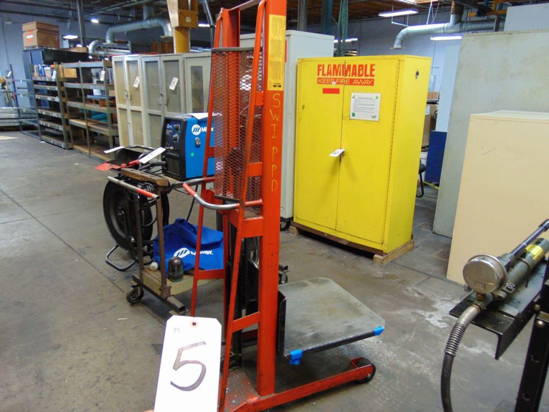 Lot 5 - Wesco 1000lb. Die Lift Cart