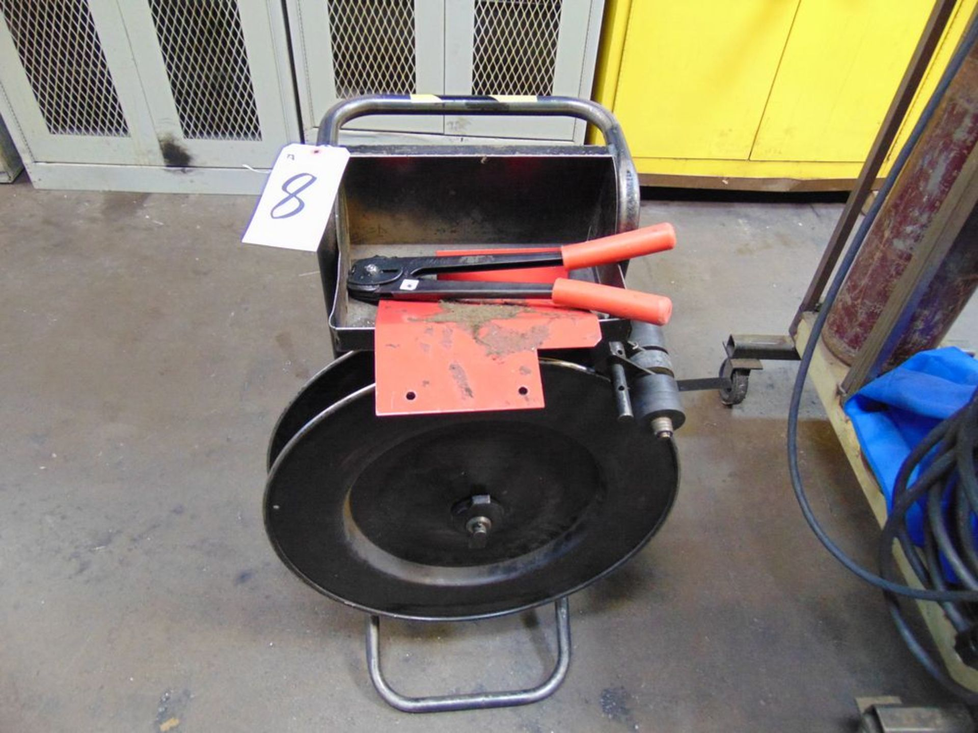 Lot 8 - Strapping Unit
