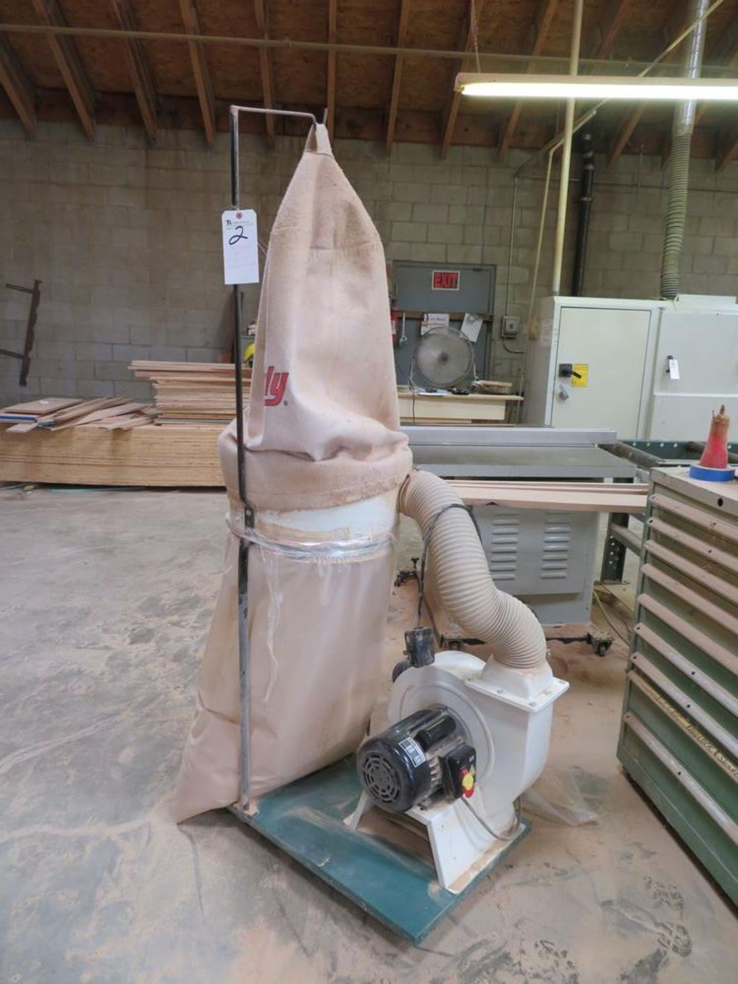 Lot 2 - Grizzly 2hp Portable Dust Collector