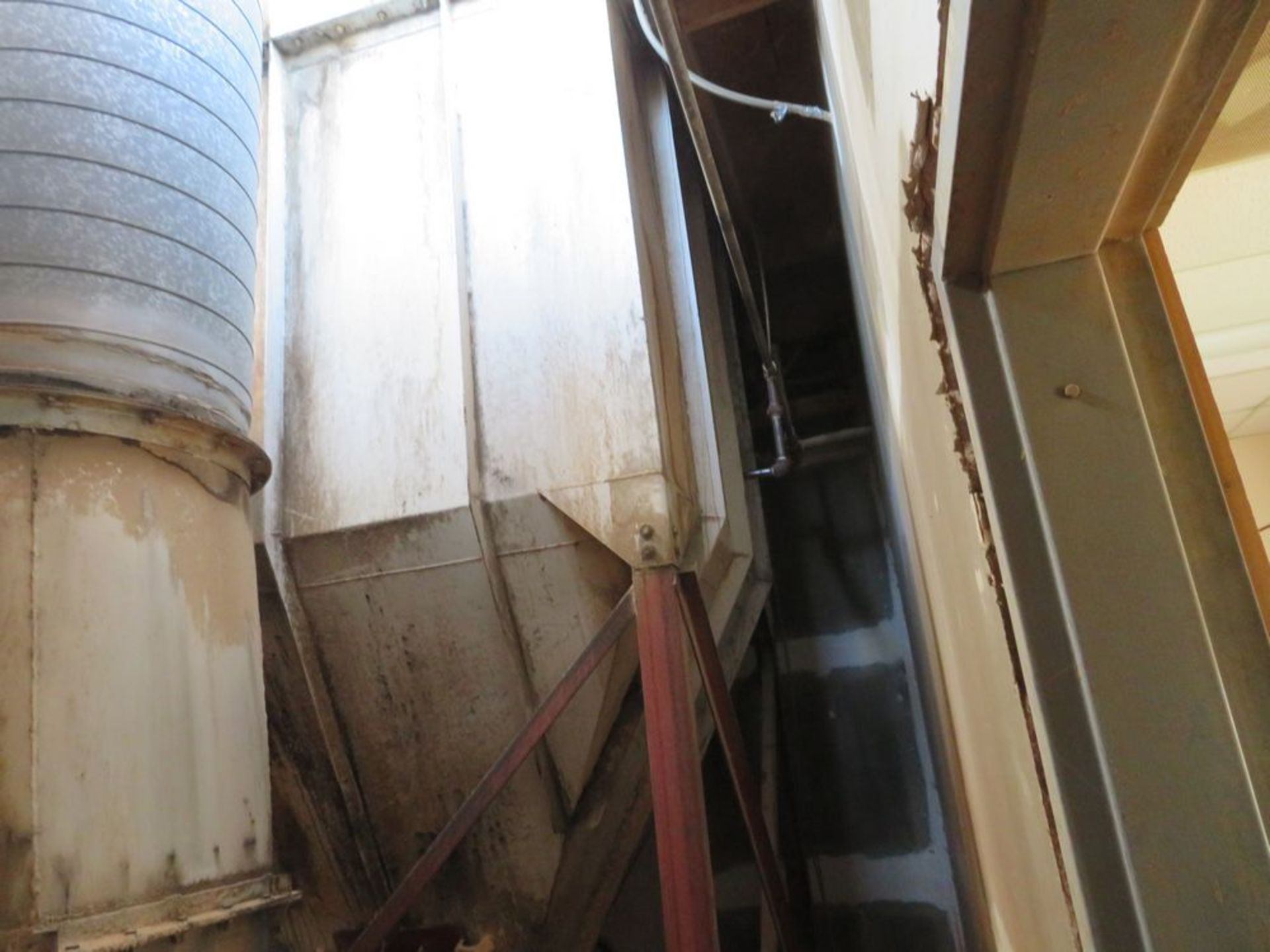 Lot 22 - 60hp Dust Collector w/ Auger Conveyor System