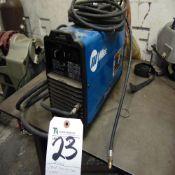 Miller mod. Dynasty 200, 200 Amp Tig Welder w/ Foot Pedal S/N LG040542L