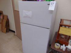 Hotpoint Refrigerator (Late Pickup; Jan 1st)