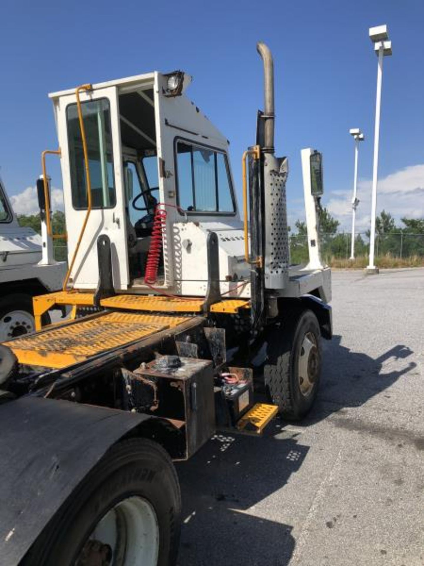 """2015 Kalmar Ottawa 4x2 Yard Truck , SN: 338840 4,378.6 Hours, 1,886 Miles - Image 11 of 36"