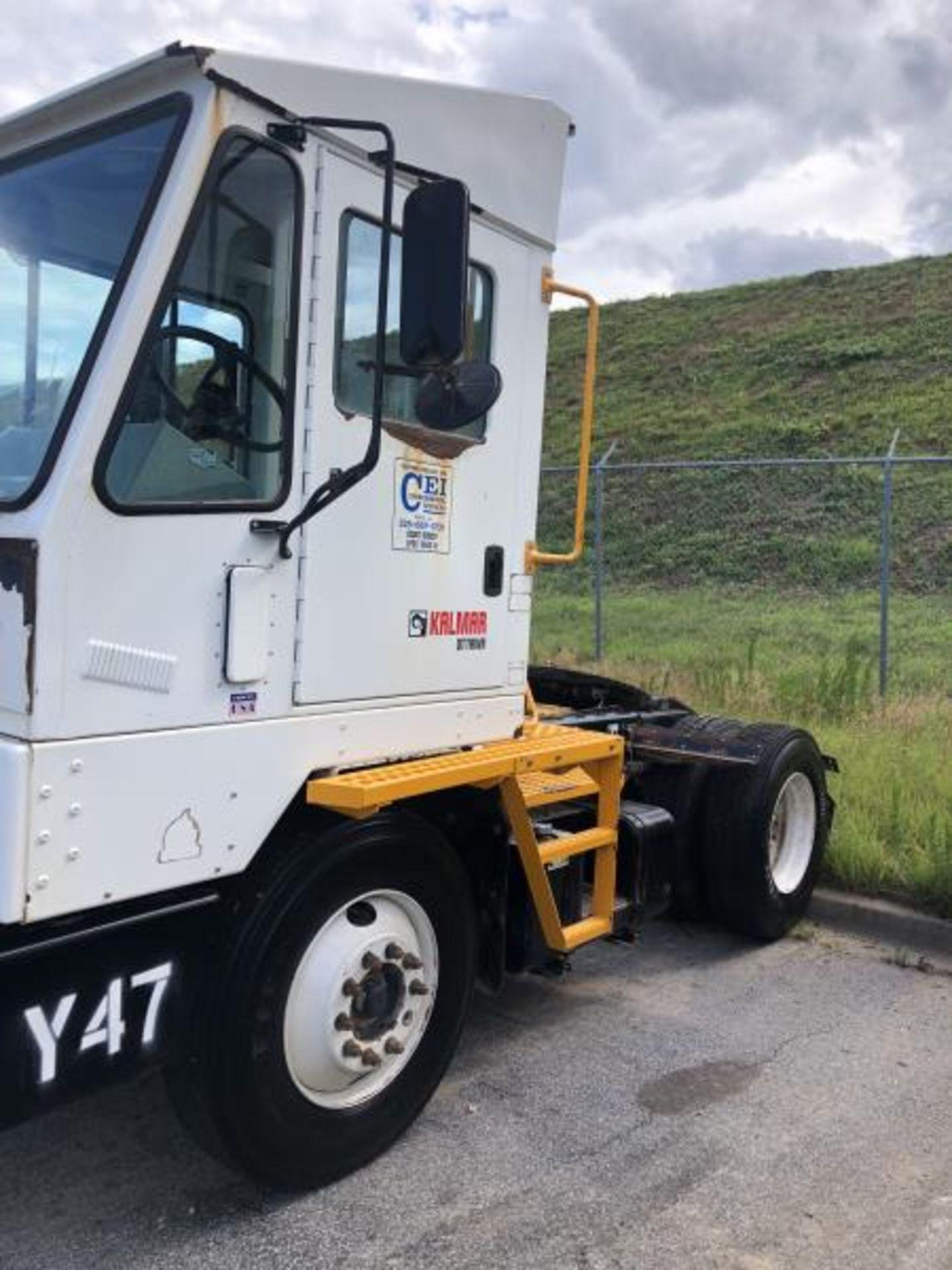 2015 Kalmar Ottawa 4x2 Yard Truck , SN: 338841 4,267.2 Hours, 1,683 Miles - Image 4 of 34