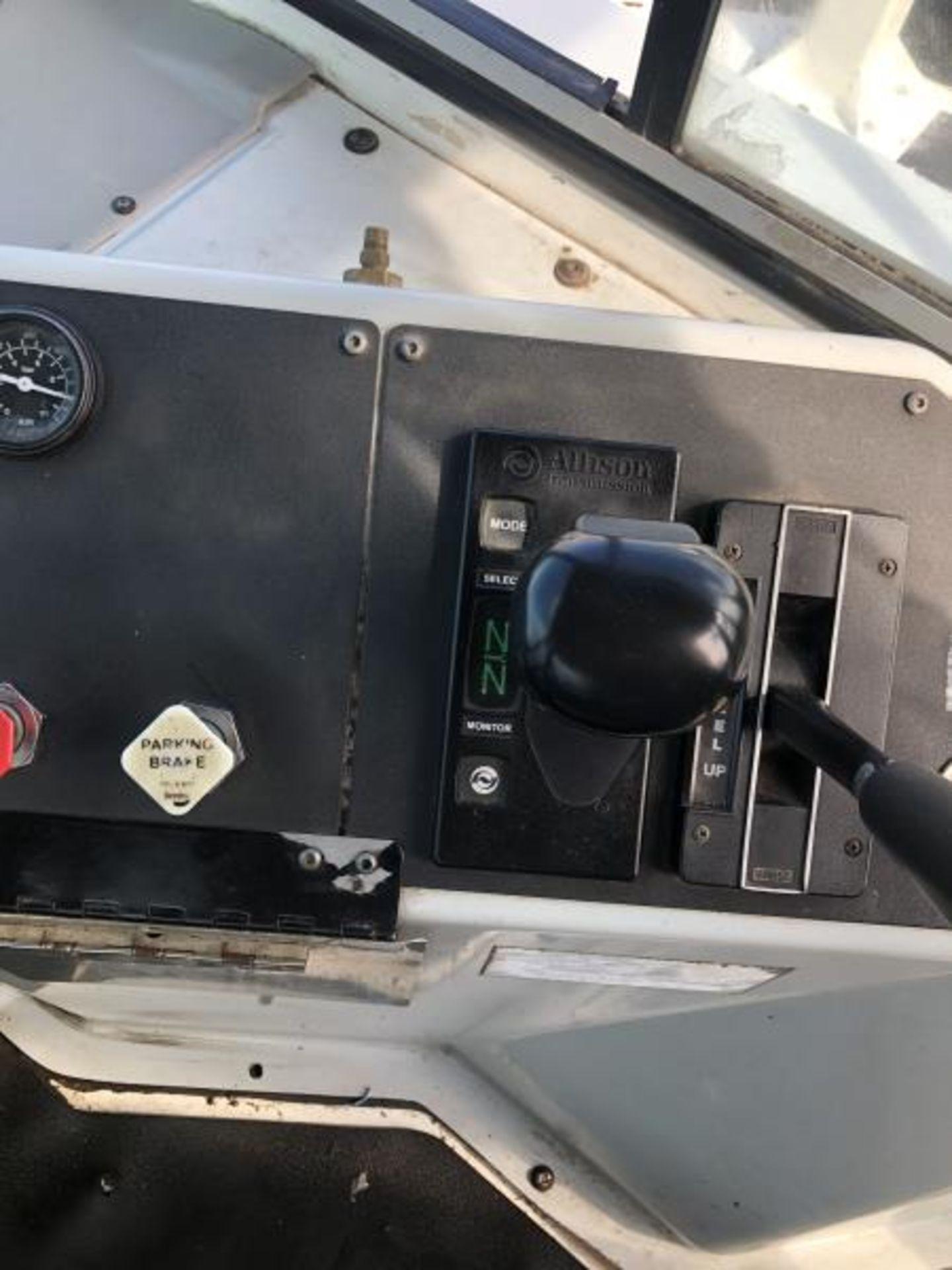 2015 Kalmar Ottawa 4x2 Yard Truck , SN: 338837 3,239.3 Hours, 3,125 Miles - Image 31 of 32